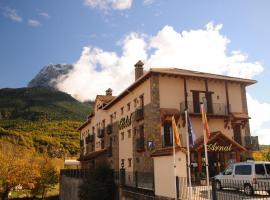 Hotel Arnal, hotel in Escalona