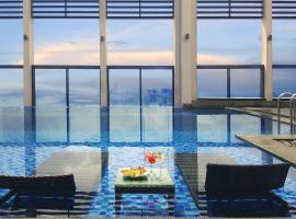 Altara Suites by Ri-Yaz, hotel in Da Nang
