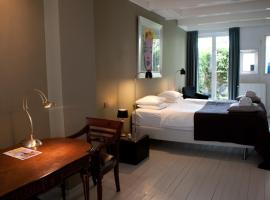 Bed & Breakfast WestViolet, budget hotel in Amsterdam