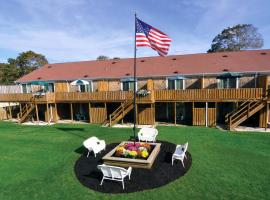 Cape Winds Resort, a VRI resort, hotel with pools in Hyannis