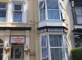 Richmond House, B&B in Southport