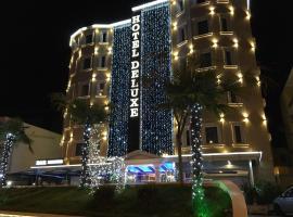 Hotel Deluxe, hotel en Tirana