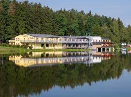 Hotel&wellness Knižecí rybník, hotel en Tábor