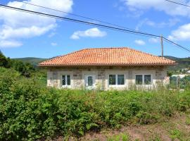 """Beautiful holiday house in Galicia next to the """"Camino de Santiago"""" and next to the beach, hotel in Cee"""