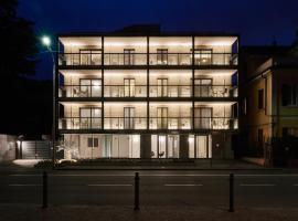 La Perla by Sedar, apartment in Como