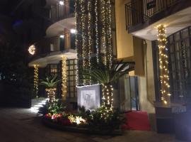 Hotel Chic, hotel near Royal Palace of Caserta, Sant'Antimo
