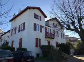 Home Saint-Jean, hôtel à Biarritz près de: BMA Biarritz French Language School