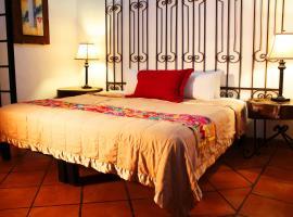 Hotel Casa Armonia, hotel in Guadalajara