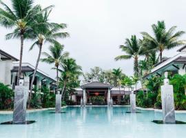 Pullman Port Douglas Sea Temple Resort and Spa, hotel in Port Douglas