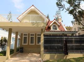 Diyar Villas Puncak R7/3, villa in Puncak