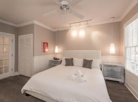 Alexander's Gay Lesbian Guesthouse (Adult Only 21+), B&B in Key West