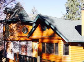 Tres Bien Ensemble, villa in Big Bear Lake