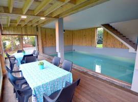 Tastefully Furnished Farmhouse with Sauna in Waimes, hotel with pools in Waimes