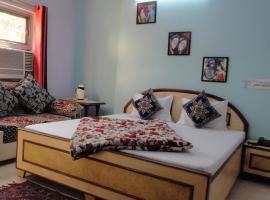 Hotel Swarajya Palace, hotel near Agra Airport - AGR,