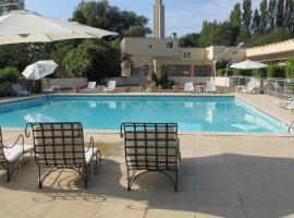 Hôtel Acostel, hotel near Meaux-Boutigny Golf Course, Meaux