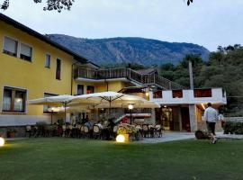 Hotel Castello, hotel near Fortress of Bard, Montjovet