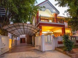Redstone Villa and Suites, B&B in Bangalore