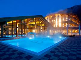 Hotel Wöscherhof - 4 Sterne Superior, golf hotel in Uderns