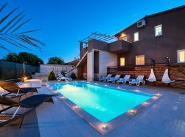 Villa Nikolina, hotel near Pula Airport - PUY,