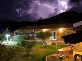 Hosteria Amaneseres, inn in Capilla del Monte