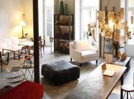Casa das Janelas com Vista, boutique hotel in Lisbon