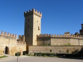 Castello Di Vigoleno, hotel in Vigoleno