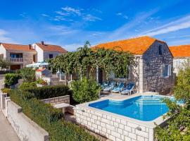 Green Garden House, hotel with pools in Korčula