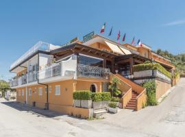 Hotel Ristorante il Colleverde, family hotel in Santa Maria di Castellabate