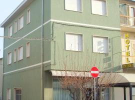 Hotel Cucciolo, hotel in Donoratico