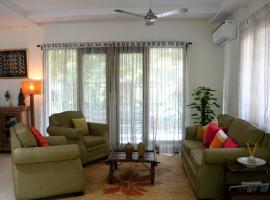 GG Bed And Breakfast, hotel near Swaminarayan Akshardham, New Delhi