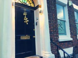 19 Rodney Street Apartments, hotel near Williamson's Tunnels, Liverpool