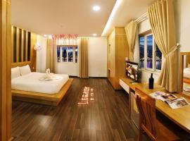 Legacy Riverside Đà Nẵng, hotel in Da Nang