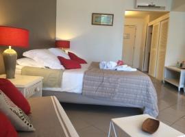 Studio Luxe vue mer, spa hotel in Le Gosier