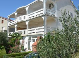Apartmani Admiral, self catering accommodation in Novalja