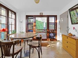 Cottage near centrum, paradise, holiday home in Berlin