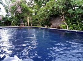 Van Karning Bungalow, beach hotel in Pemuteran