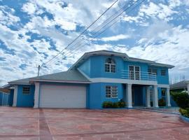 The Blue Mansion Bahamas, hotel near Lynden Pindling International Airport - NAS,