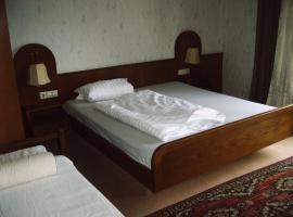 Monteurpension-Guenter, hotel in zona Aeroporto di Baden - FKB,