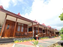 The Royal Joglo, pet-friendly hotel in Tepus