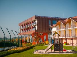 K-Triumf Resort, hotel ve Velichovkách