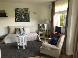 Saint-Tropez - Studio 40 m2, hotel with pools in Saint-Tropez
