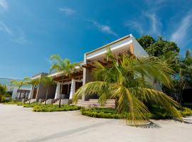 Paraiso Rainforest and Beach Hotel, hotel in Omoa