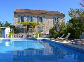 Le mas d emma, hotel in Lamotte-du-Rhône