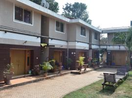 Divine Villas, hotel with pools in Panchgani