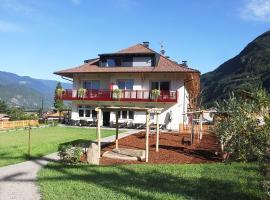 Residence Egger, hotel in Terlano