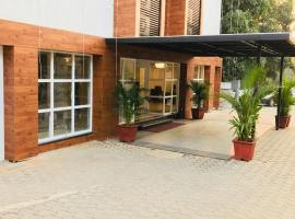 Hotel Golden Plateau, hotel near Goa Science Centre, Porvorim