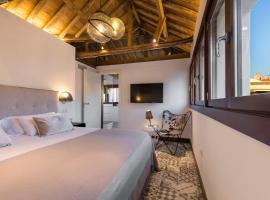 Shine Alcaiceria, hotel in Granada