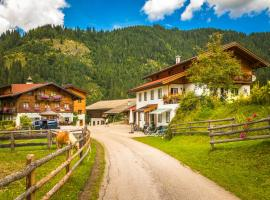 Biobauernhof Windbachgut, hotel in Eben im Pongau