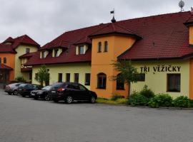 Hotel Tři Věžičky, hotel in Střítež