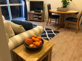 Lavender Hills Excellent Apartment in Greenhithe, self-catering accommodation in Auckland